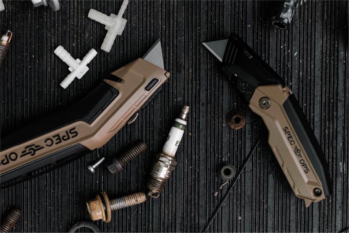 Shop Utility Knives
